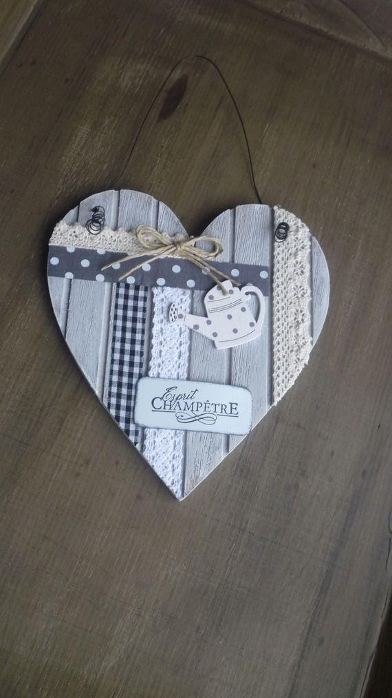 Les 25 meilleures id es de la cat gorie c urs en papier - Decoration coeur en bois ...