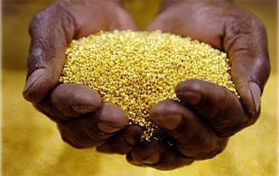 Ituri is right in the middle of one of the most important gold deposits on earth (1). Several hundred kilograms are extracted every month from the primitive mines around Mongbwalu.