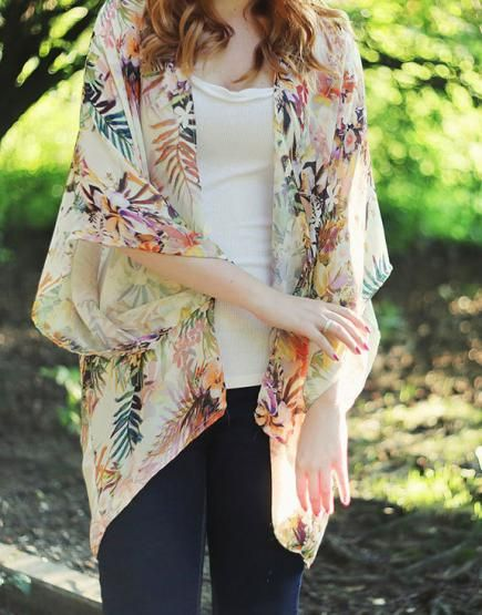 You don't have to be a sewing pro to make this easy kimono pattern happen. #DIY #Fashion