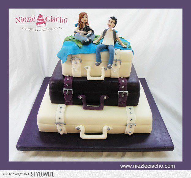 Życie na walizkach, walizki, tort dla podrózników, tort z okazji przeprowadzki, tort dla obieżyświatów, tort dla globtroterów, walizki, tort w kształcie walizek, Tarnów
