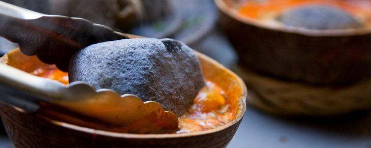 El caldo de piedra, maravilla gastronómica chinanteca . Acompáñanos en esta aventura gastronómica en la región de Chinantla en Oaxaca, donde tuvimos la oportunidad de probar el caldo de piedra y otras delicias tradicionales de la zona.