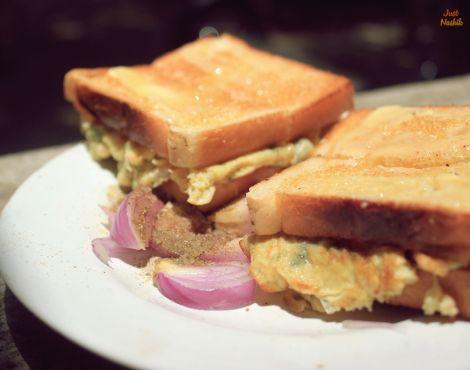 Mitravihar Canteen Nashik, Simple Egg breakfast Check out more details here http://justnashik.com/2014/06/10/food-review-mitravihar-canteen/