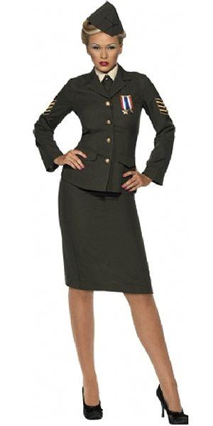 Vrouwlijke leger officier kostuum. Compleet vrouwlijke officier kostuum, in de stijl van het leger tijdens de Tweede Wereldoorlog. Dit vrouwlijke leger kostuum is inclusief rok, hoed, jasje met medaille en aangehecht shirt met das.