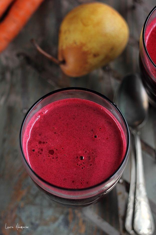 Suc de sfecla, pere si morcovi reteta. Retete de sucuri naturale cu storcatorul Philips Avance. Ingrediente si preparare suc de sfecla, morcovi si pere.