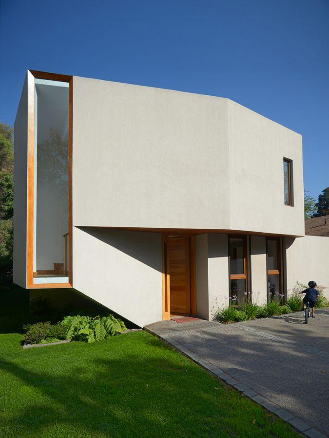 Casa Cordero Zamorano. La Reina, Santiago de Chile TNG Arquitectos.