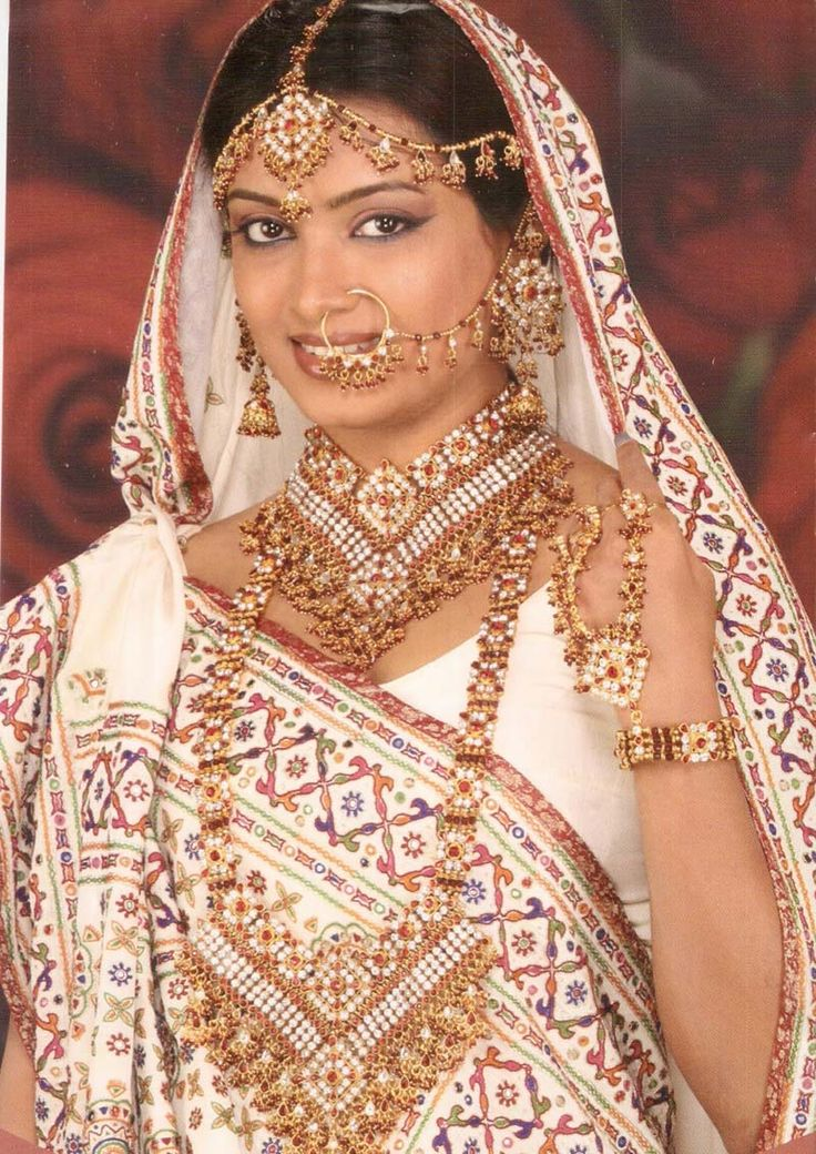 Indian bride in white and red and gold saree. #indian #bride# white #red #gold #saree #sari