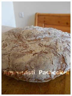 Apprendisti Pasticcioni: Pane con farina di mandorle e ricotta home made