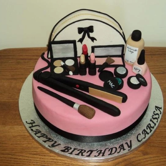 'Hair & Make up' cake!