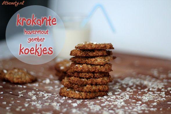 Recept: Krokante havermout gember koekjes.  MIJN ERVARING: let op, door de honing niet vegan. Ik maakte ze zonder het gemberpoeder, want daar hou ik niet zo van. Erg lekker! Ik heb ze ook een keer met een banaan erdoor gemaakt, toen waren ze zachter, maar ook erg lekker.