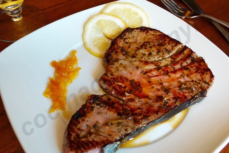 Siguiendo el post del otro día del Atún fresco estilo Cajún os dejo la receta del Filete de atún marinado con limón, orégano y tomillo. Un...