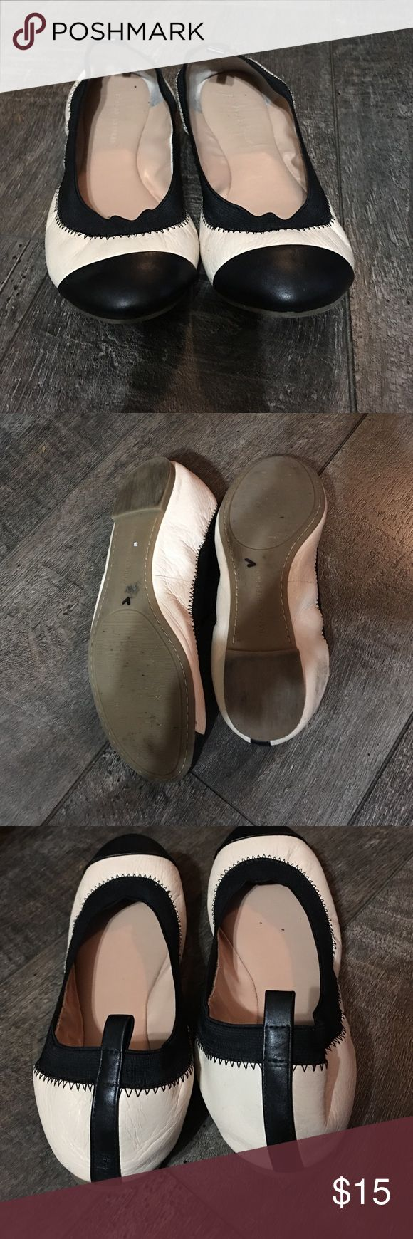 Banana Republic flats Banana Republic ballerina flats patent leather cream with black Banana Republic Shoes Flats & Loafers