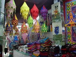 Lone travellers takes you to the colourful village of Pipli in Orissa, known for its applique craft at a great price, food and accommodation included !like and comment on this post for further details