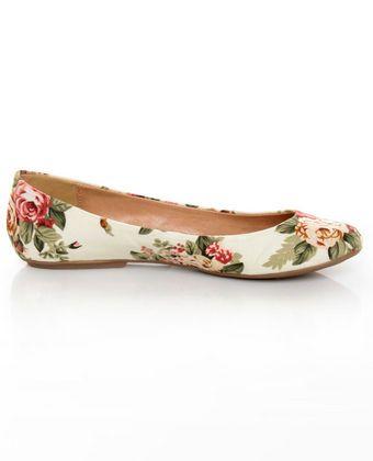 Go Max Sienna 22 Cream Floral Fabric Ballet Flats