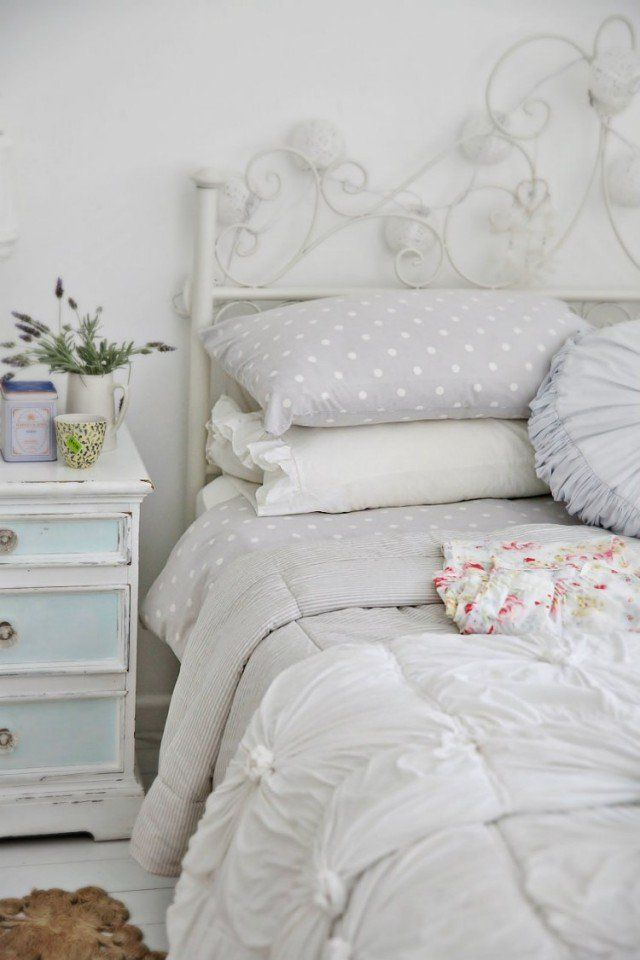 les 20 meilleures id es de la cat gorie chambres shabby chic sur pinterest biblioth que shabby. Black Bedroom Furniture Sets. Home Design Ideas