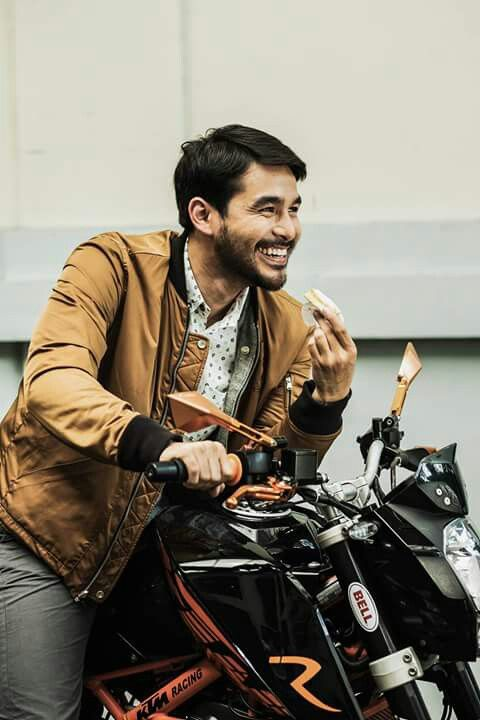 Mr. Atom Araullo (Found this on his featured magazine photo. Full credits to the photographer)