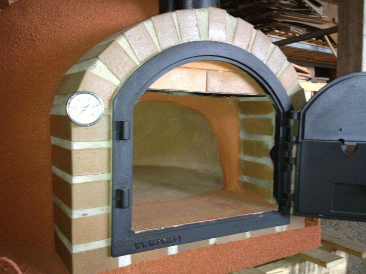 Clay pizza oven pizza ovens pinterest clay pizza oven for Door 2 door pizza
