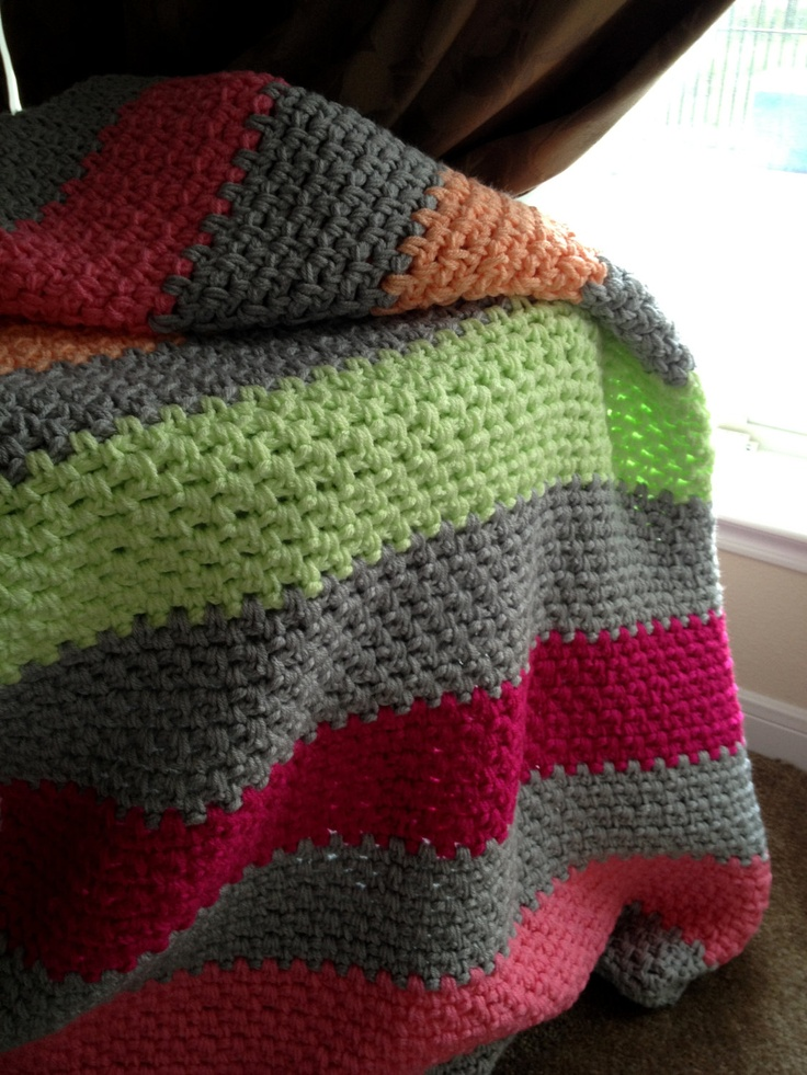 Simple moss stitch. Love the colors!!