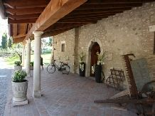 This ancient stone farmhouse dates back to the 16th century and has a wonderful view over Lake Garda. The property has a number of spacios #apartments and an outdoor heated #pool. www.cascinacrocelle.it