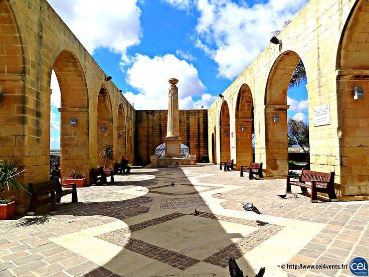 Séjour linguistique à Malte avec le CEI #Malte #Malta #CEI #voyage #travel #colonie #sejourlinguistique #holiday #paradise #summer #sun #architecture
