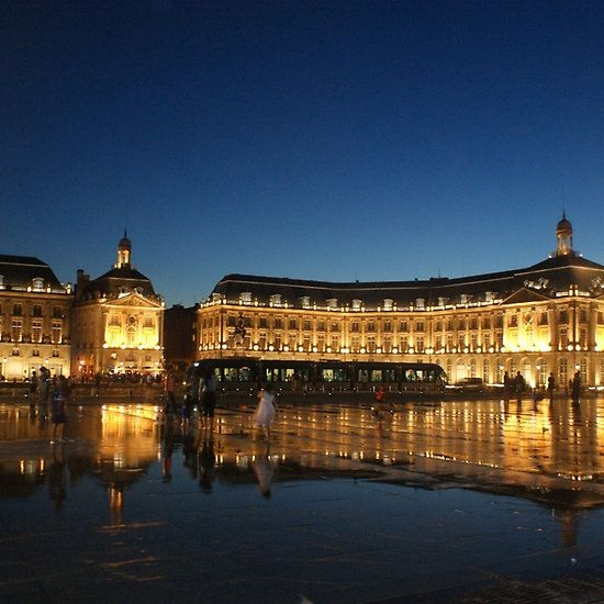 Bordeaux water pavement at night