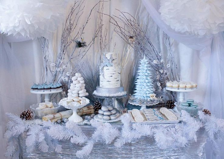 All I can say, is... WOW! Love the meringue-tree, the giant puffballs hanging from the ceiling, the branches, the birch-look tree... this is ALL pretty!