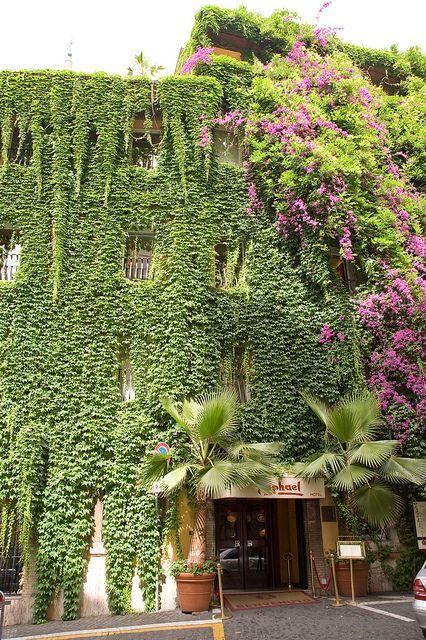 Hotel Raphael in Rome