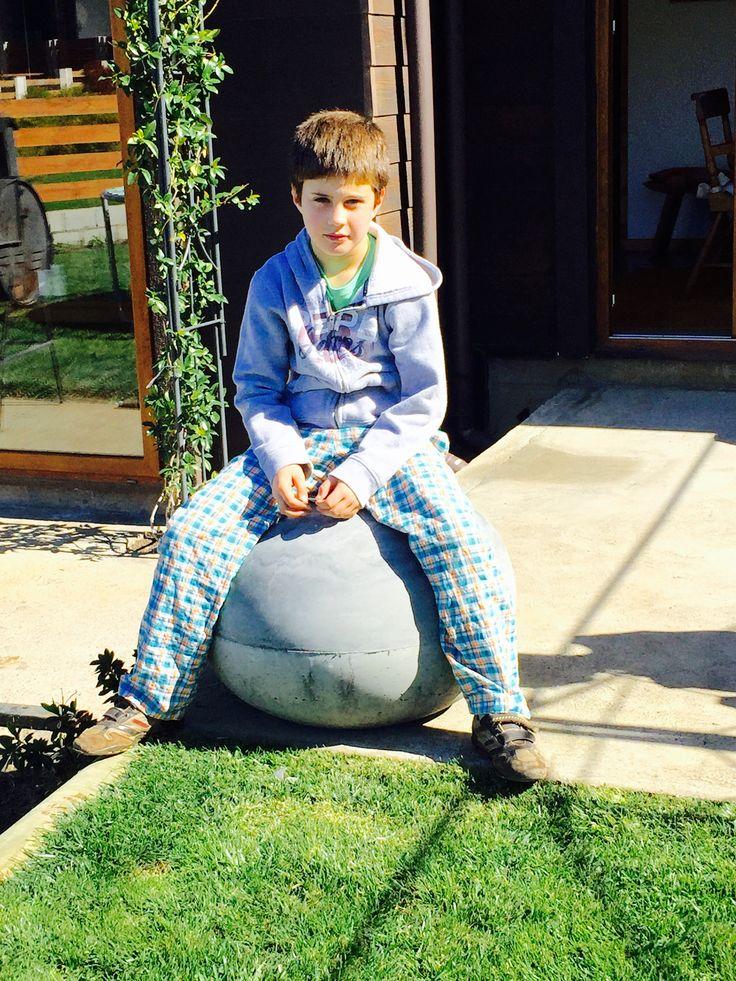 Entretenido mobiliario de hormigón para decorar tu jardín!!!
