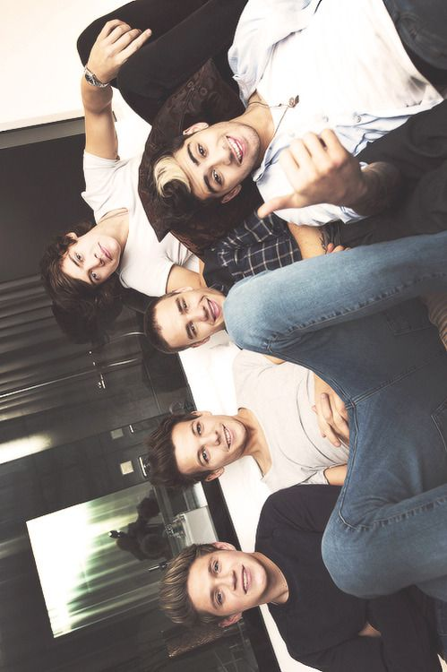 You look funny with your head turned that way ;) aha Louis your such a little man whore close your legs(;