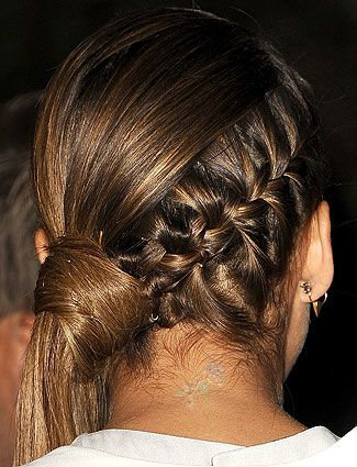 Jessica Alba's braided side pony