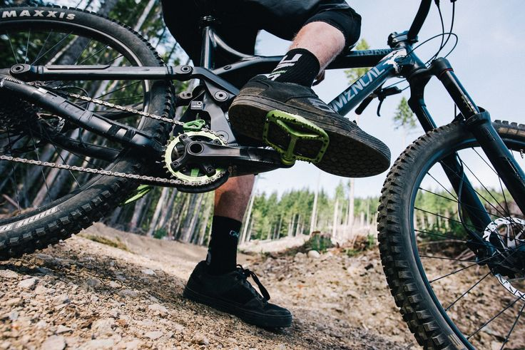 Mas plataforma, menos fijación! Ese es el lema que promueve OneUp Components para sus nuevos pedales de plataforma.