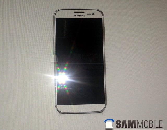Imagine oficiala cu Samsung Galaxy S IV, vine cu ecran Full HD, procesor Quad-Core de 2 GHz si S Pen