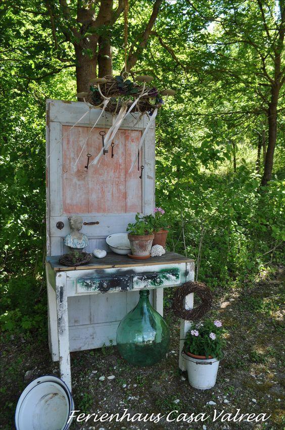 Gartendeko Alte Tur Steht Im Garten Vom Casa Valrea Ferienhaus Am