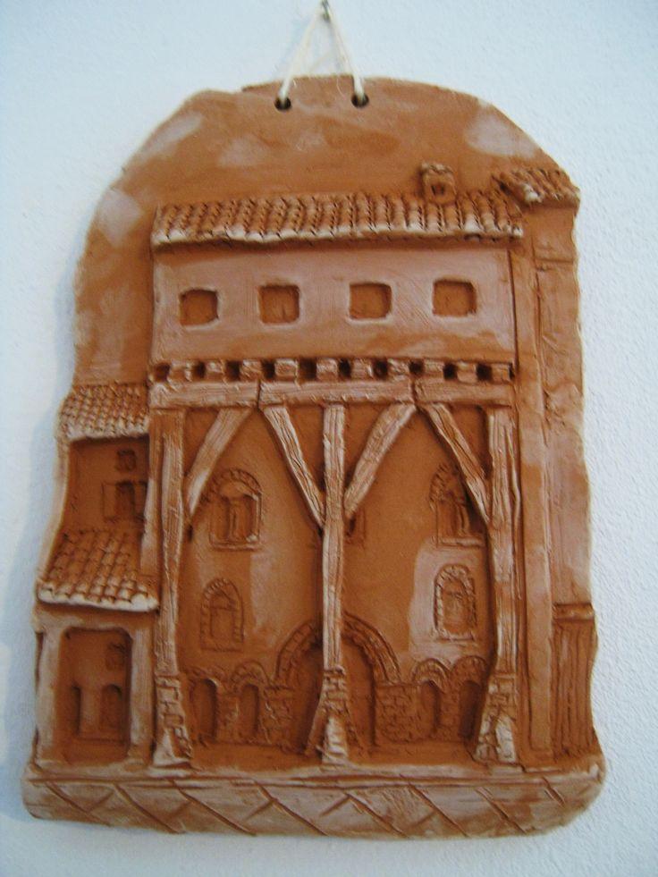 I love vecchia Bologna- Casa Isolani- bassorilievo di terracotta.