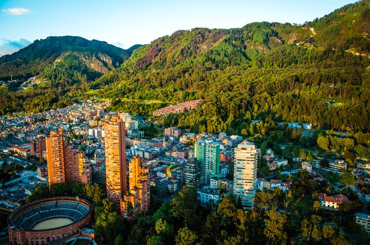 Conoce la aventura que este personaje vivió durante 24 horas en la ciudad de Bogotá y entérate de cómo descubrió su increíble cultura, geografía y cálida gente. #Bogotá #Aventura #ViajedeNegocios #24horas #HotelesMarriott #Marriott