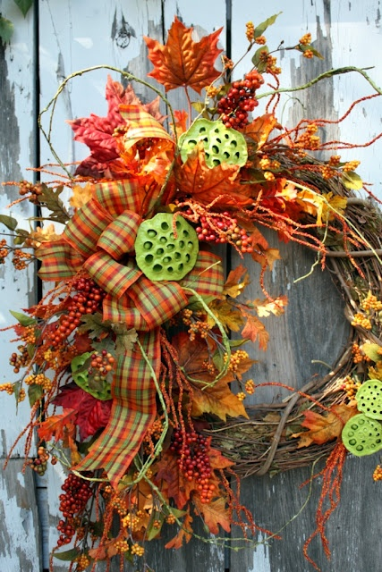 beautiful fall wreath with painted lotus pods.....