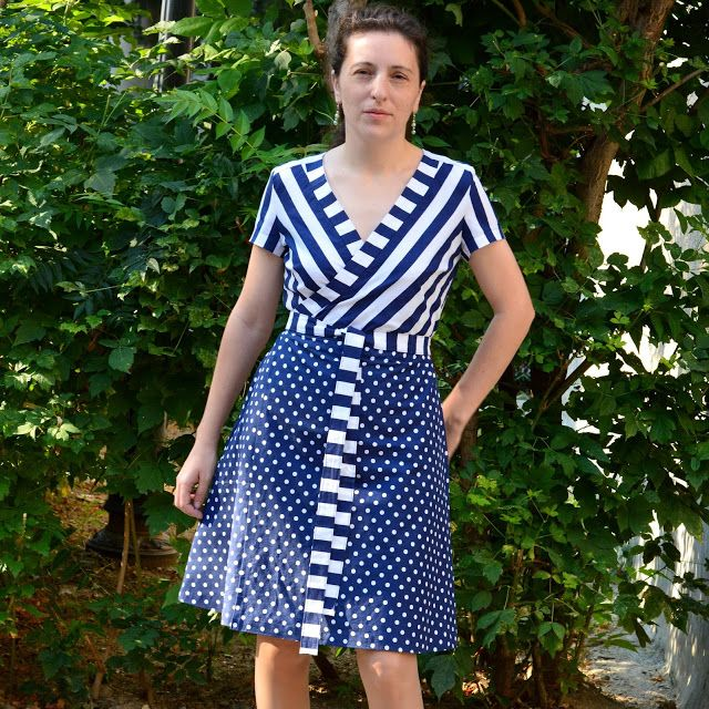I believe I can sew...: Polka dots and stripes - one more PatternReview Claire wrap dress