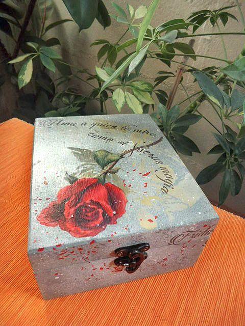 Cajita pintada a mano y decorada con una preciosa frase de la pintora mexicana
