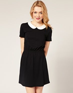 Long black dress with collar
