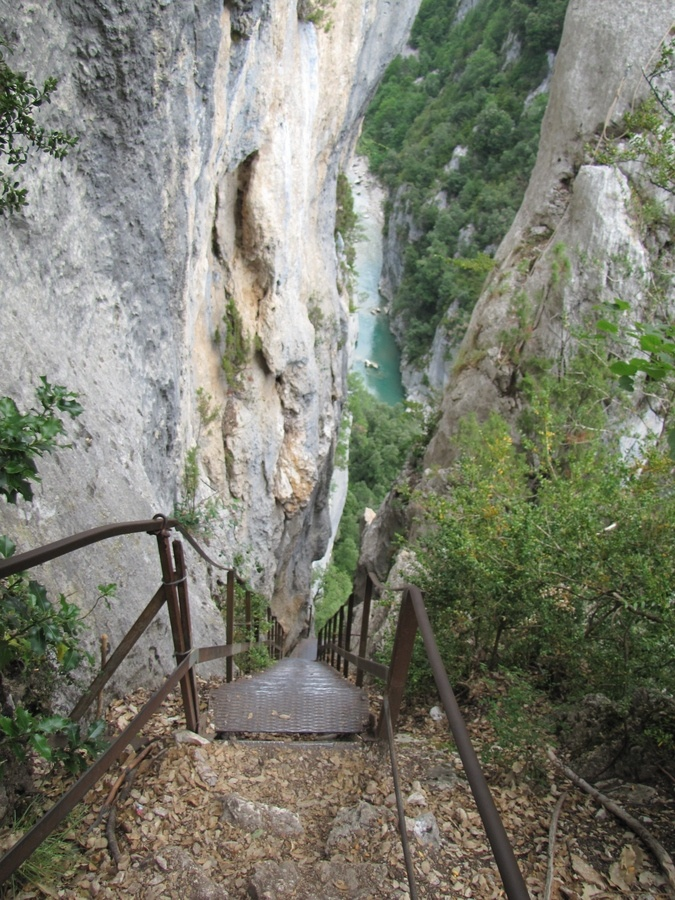 A long climb down. Sentier Martel, Gorges du Verdon, France