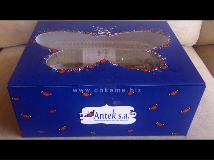 El estuche para el regalo de los clientes de Antek S. A. fue diseñado por la boutique creativa de Cake me.