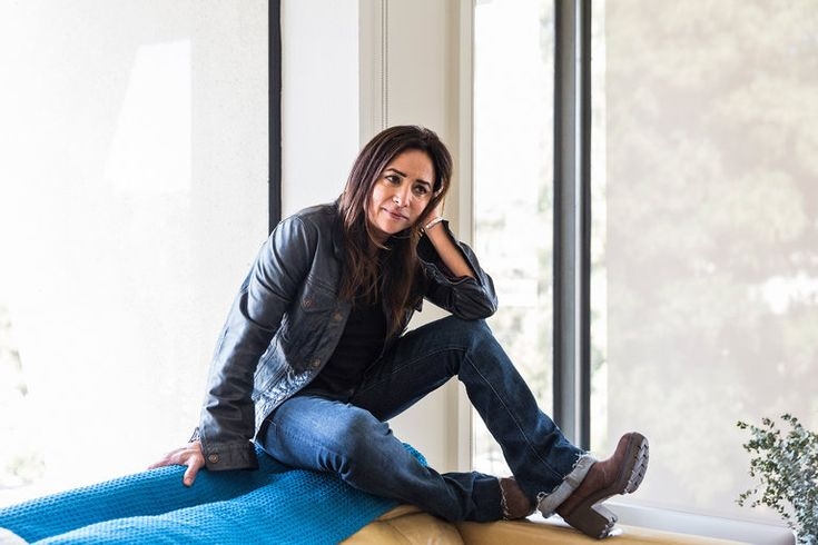 Pamela Adlon Is Starring in Her Very Own Zen Riddle - The New York Times