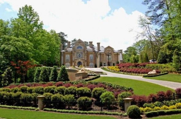 tuscan style frontyard ideas | ... Front Yard Landscape Design of Kenny Rogers' Italian Style Mansion in: Home Landscape, Country Houses, Atlanta Mansions, Landscape Design, Front Yard, Outdoor Kitchens, Curb Appeal, Country Stars, Kenny Roger