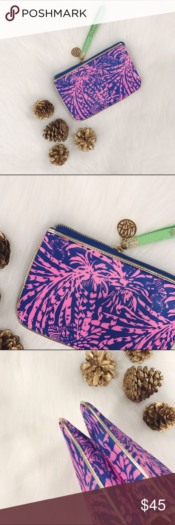 🎄SALE🎄Lilly Pulitzer Double Take Clutch Absolutely adorable, brand new without tags, never wore it, has an inside zipper pocket, slots for cards and double compartment.                     ✅MAKE ME AN OFFER✅         🎄10% off bundle of 2 items or more!🎄                             •NO TRADING                             •smoke free                             •fast shipper Lilly Pulitzer Bags