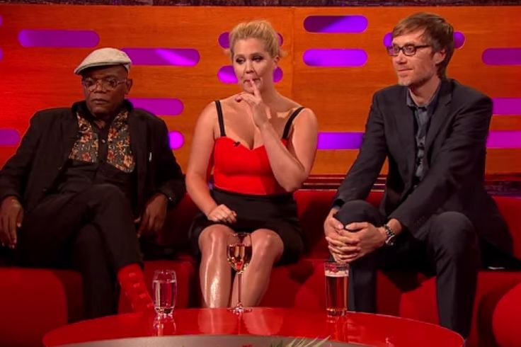 Everyone was super distracted by Amy Schumer's legs on last night's Graham ... Amy Schumer  #AmySchumer