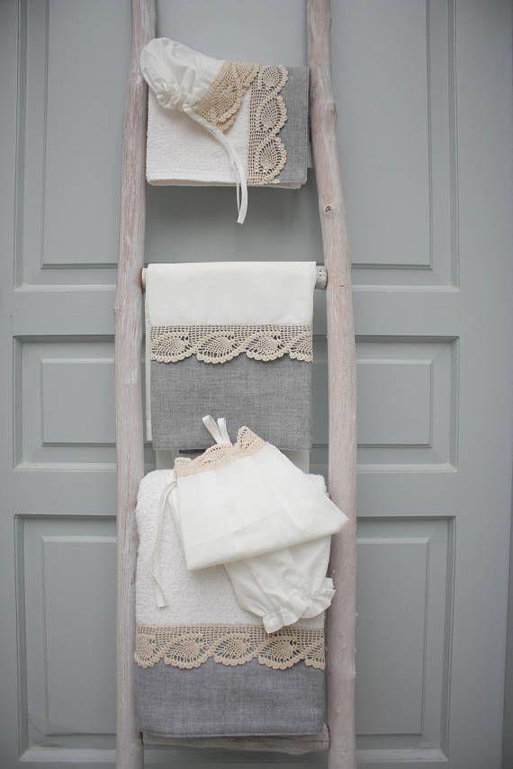 Συλλογή Βάπτισης Vintage Καρδιά #Σετ Λαδόπανα #Λαδόρουχα  #Baptism #Christening Undergarment Set #Ladopana #Chrisoms #Towel Set #Christening Contents #Lathopana #Linen Baptism Towel Set #Vintage Lace Heart Baptism Set