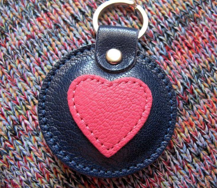 Брелок из кожи Сердце объемный., фото 1