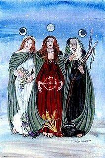 Les 3 Nornes :   Urd (le passé)  Verdandi (le Présent)  Skuld (le futur)    Elles arrosent l'arbre Yggdrasil.