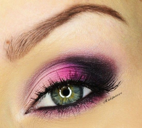 Muted Pink and Hot Pink Makeup look. Plus, more Green Eye Makeup Ideas