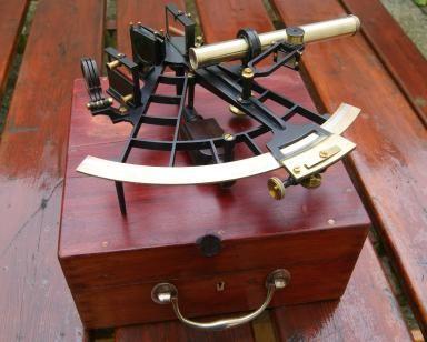 De tamaño estándar de 8 pulgadas Stanley Londres ®  pulido Sextante latón macizo con   Slow-Motion Control y Escala de Vernier