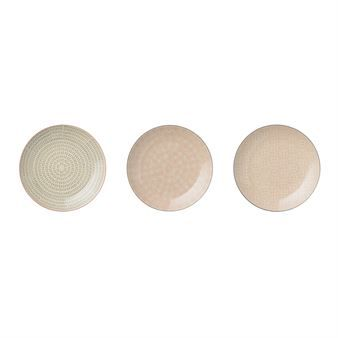These plates from Bloomingville are presented in a set of three and are made of glazed stoneware with different decorative patterns in grey and pink shades. The plates fits both casual and festive occasions and are easy to mix and match with other tableware from Bloomingville! Available in different sizes.